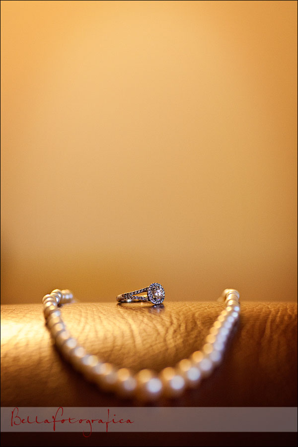 bridal jewelry ring and pearls