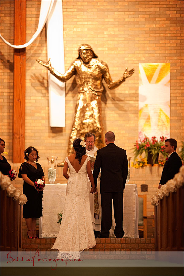 bride and groom wedding prayer