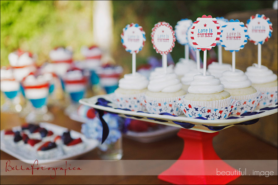 patriotic cupcakes and other red white and blue desserts