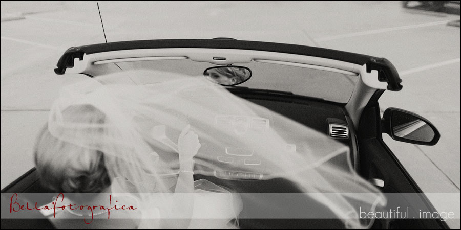 bride driving convertible smart car