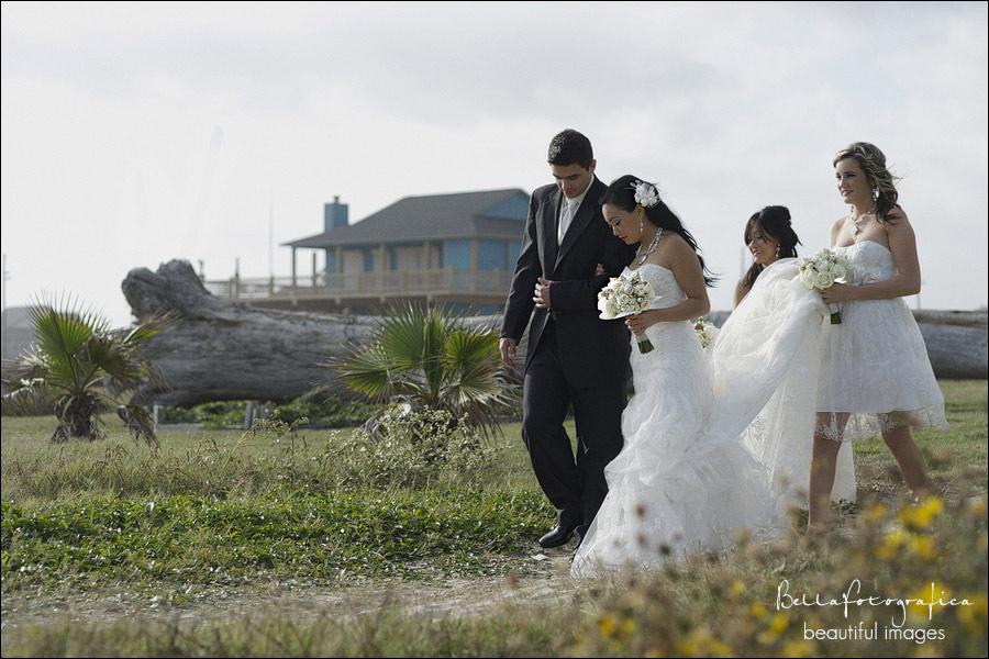 Sea glass estate beach wedding beaumont texas wedding for Wedding dresses beaumont tx