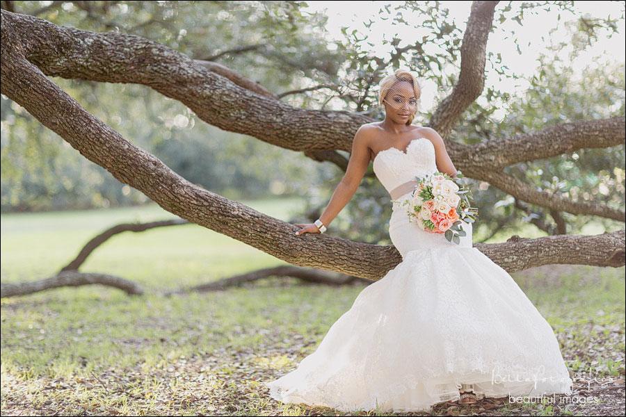 Southeast texas bridals mia beaumont texas wedding for Wedding dresses beaumont tx